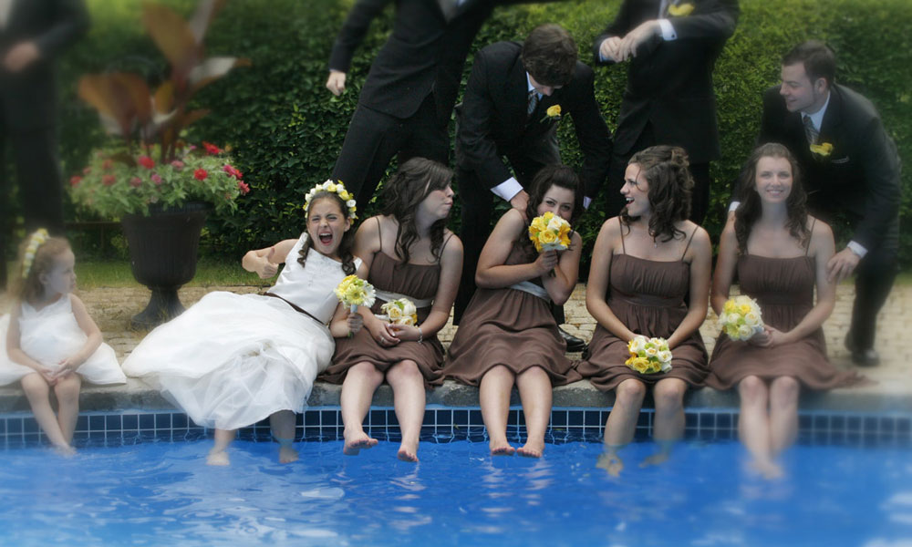 wedding family beside pool